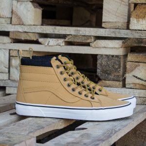 materialowe-buty-na-zime